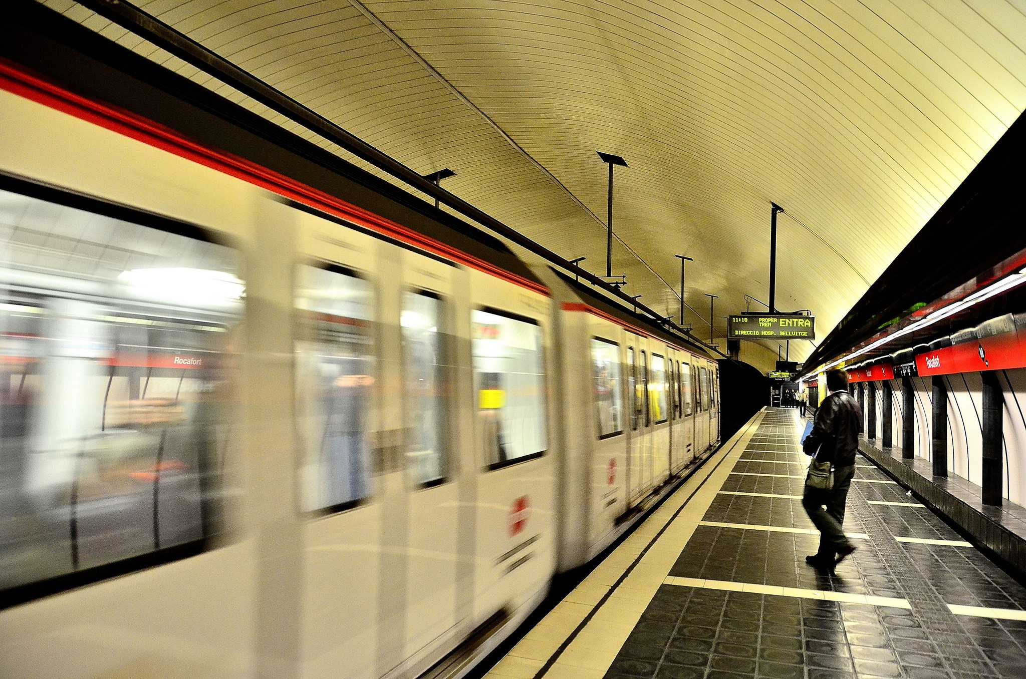 Часы работы метро Барселоны