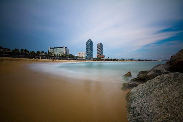 Пляж – несомненная достопримечательность Барселоны