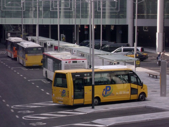 Бюджетный вариант, который займет больше времени - рейсовый автобус
