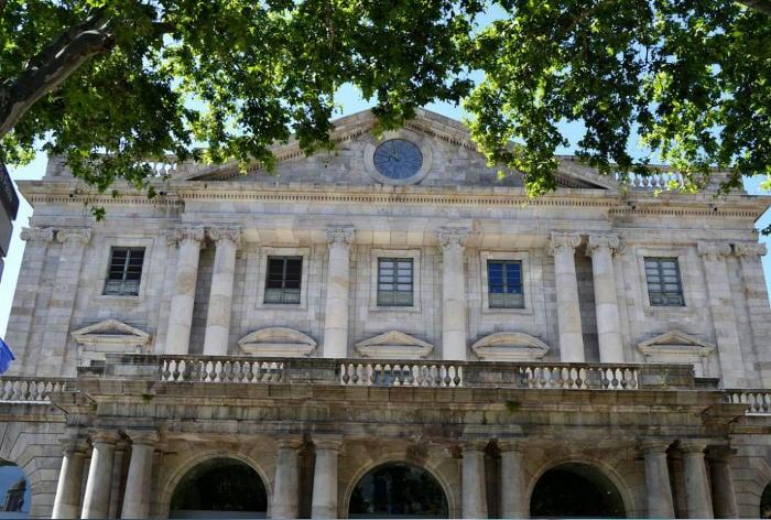 Школа изящных искусств La Llotja