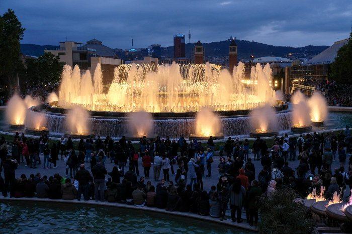 Время работы фонтана Монжуик в Барселоне