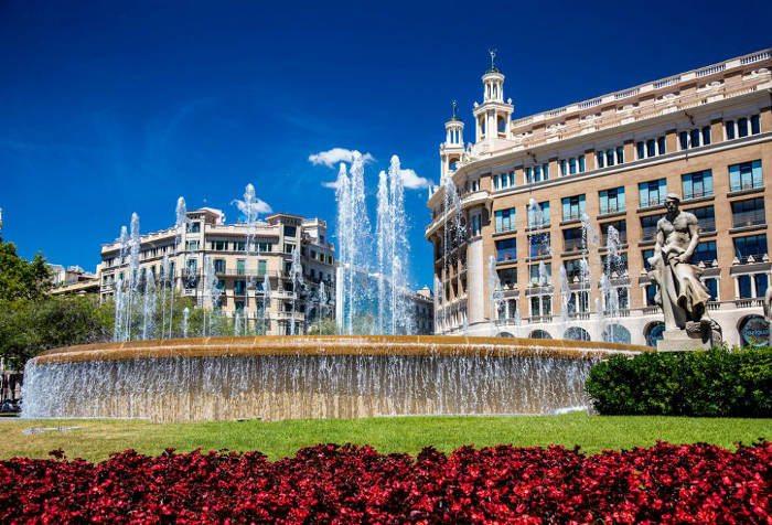 Адрес центральной площади Барселоны