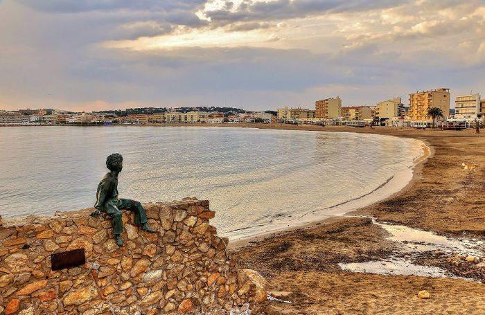 Ла Эскала — колоритный каталонский городок